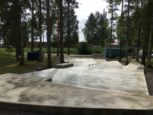 MÄNTYHARJU, YHTENÄISKOULUN SKEITTIPARKKI